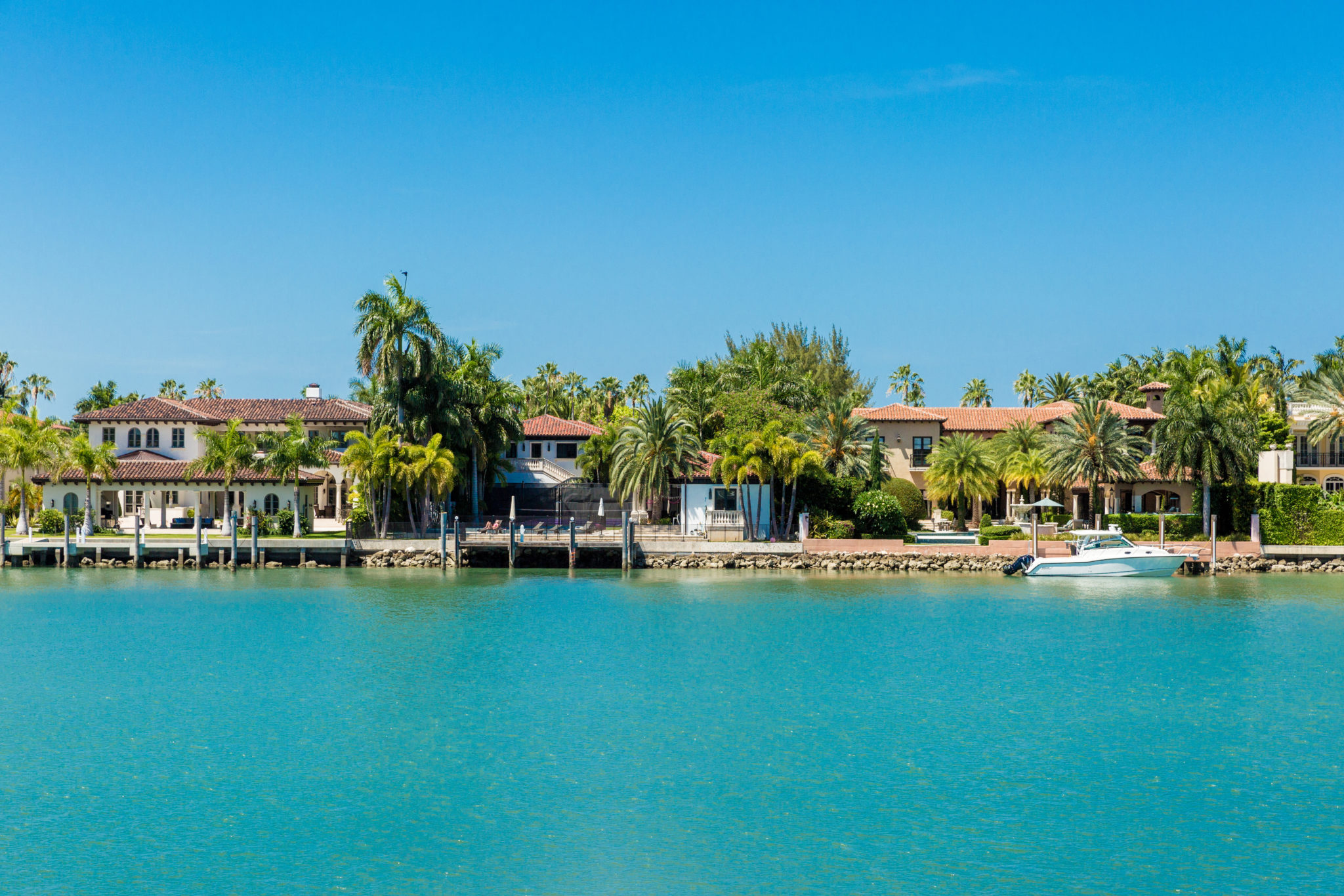 Top 3 Miami Beach Neighborhoods with the Best Waterfront Homes – Round One